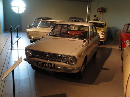 Фото автомобиля Toyota Corolla E10, ракурс: 45
