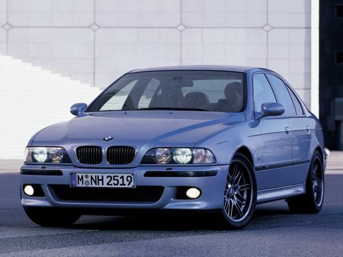 Фото автомобиля BMW M5 E39, ракурс: 45