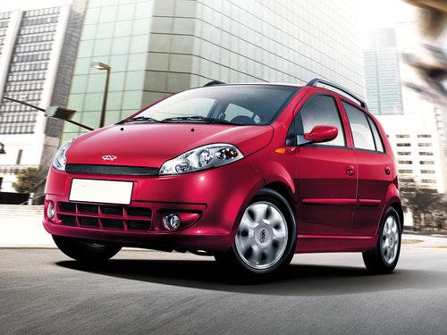 Фото автомобиля Chery Kimo 1 поколение, ракурс: 45 цвет: бордовый