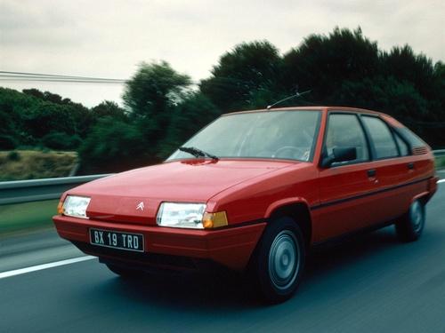 Фото автомобиля Citroen BX 1 поколение, ракурс: 45