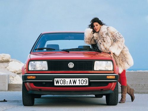 Фото автомобиля Volkswagen Jetta 2 поколение,  цвет: красный