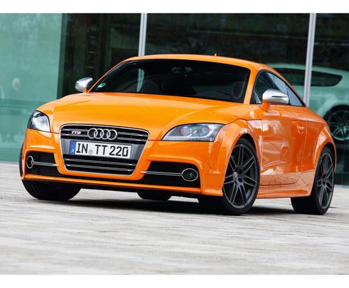 Фото автомобиля Audi TT 8J [рестайлинг], ракурс: 45 цвет: оранжевый