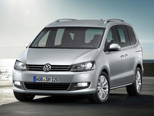 Фото автомобиля Volkswagen Sharan 2 поколение, ракурс: 45