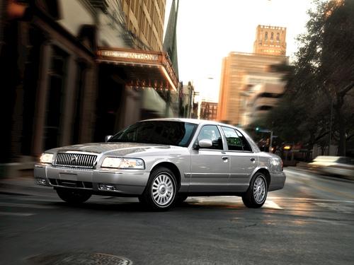 Фото автомобиля Mercury Grand Marquis 3 поколение, ракурс: 45
