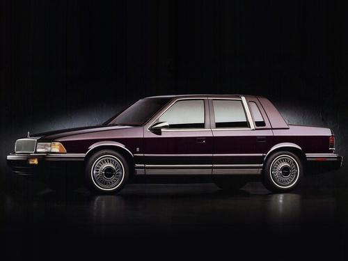 Фото автомобиля Chrysler LeBaron 3 поколение, ракурс: 90