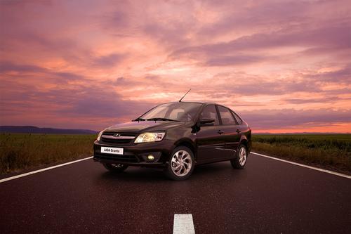 Фото автомобиля ВАЗ (Lada) Granta 1 поколение, ракурс: 45 цвет: черный