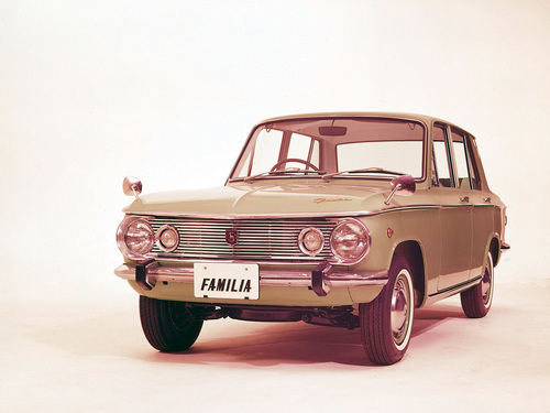 Фото автомобиля Mazda Familia 1 поколение, ракурс: 45