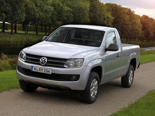Фото автомобиля Volkswagen Amarok 1 поколение, ракурс: 45 цвет: серебряный