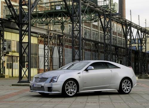 Фото автомобиля Cadillac CTS 2 поколение, ракурс: 45 цвет: серебряный