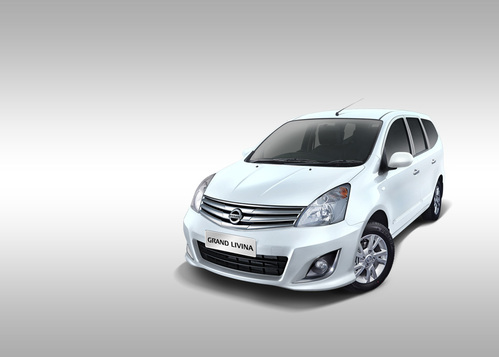Фото автомобиля Nissan Livina 1 поколение [рестайлинг], ракурс: 45