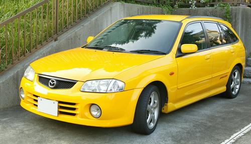 Фото автомобиля Mazda Familia BJ, ракурс: 45