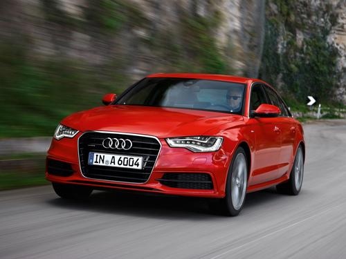 Фото автомобиля Audi A6 4G/C7, ракурс: 45 цвет: красный