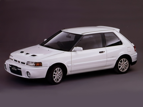 Фото автомобиля Mazda Familia BG, ракурс: 45