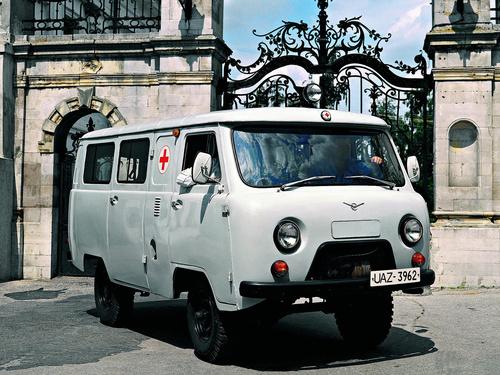 Фото автомобиля УАЗ 452 2 поколение, ракурс: 45 цвет: серый