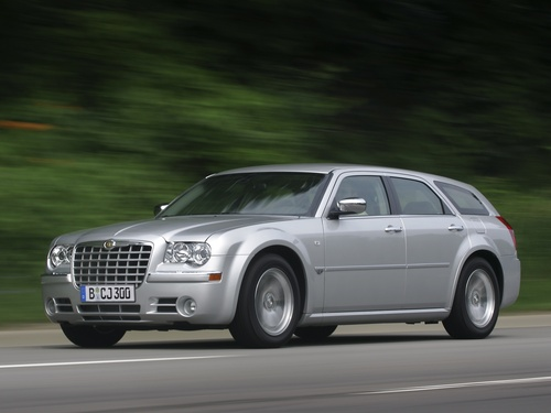 Фото автомобиля Chrysler 300C 1 поколение, ракурс: 45