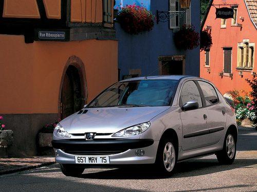 Фото автомобиля Peugeot 206 1 поколение, ракурс: 45