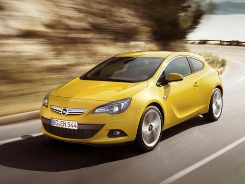 Фото автомобиля Opel Astra J [рестайлинг], ракурс: 45 цвет: желтый