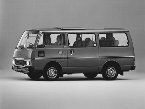Фото автомобиля Nissan Caravan E23 [рестайлинг], ракурс: 45