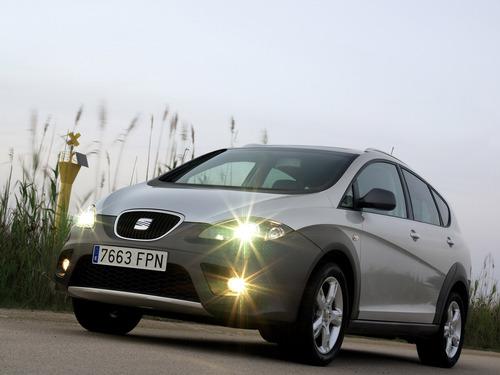 Фото автомобиля SEAT Altea 1 поколение, ракурс: 45