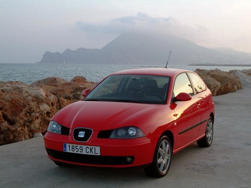 Фото автомобиля SEAT Ibiza 3 поколение, ракурс: 45