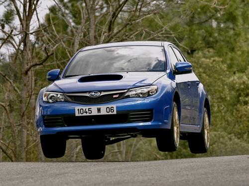 Фото автомобиля Subaru Impreza 3 поколение, ракурс: 45 цвет: синий