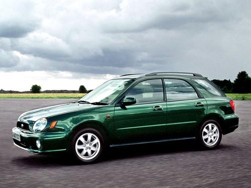Фото автомобиля Subaru Impreza 2 поколение, ракурс: 45 цвет: зеленый