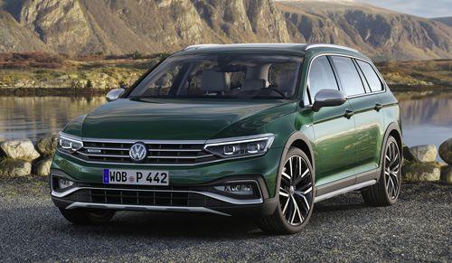 Фото автомобиля Volkswagen Passat B8 [рестайлинг], ракурс: 45 цвет: зеленый