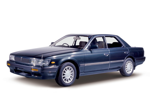 Фото автомобиля Nissan Laurel C33, ракурс: 45
