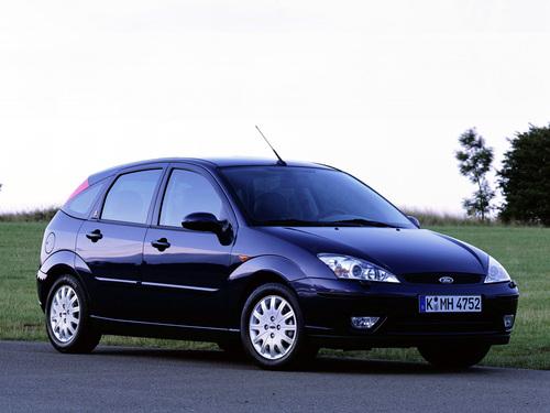 Фото автомобиля Ford Focus 1 поколение [рестайлинг], ракурс: 315 цвет: черный