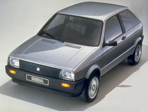 Фото автомобиля SEAT Ibiza 1 поколение, ракурс: 45