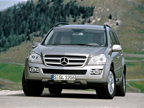 Фото автомобиля Mercedes-Benz GL-Класс X164, ракурс: 45 цвет: серебряный