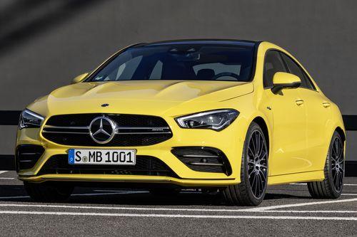 Фото автомобиля Mercedes-Benz CLA-Класс C118, ракурс: 45 цвет: желтый