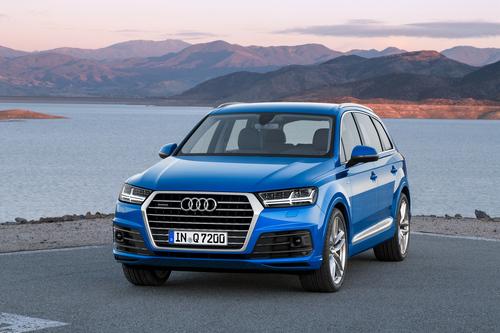 Фото автомобиля Audi Q7 4M, ракурс: 45 цвет: голубой