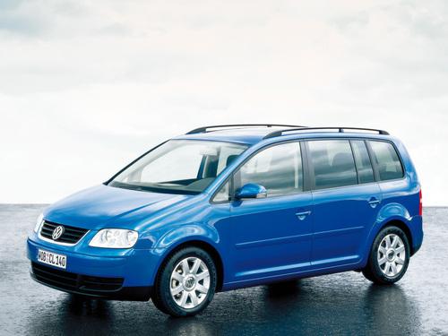 Фото автомобиля Volkswagen Touran 1 поколение, ракурс: 45