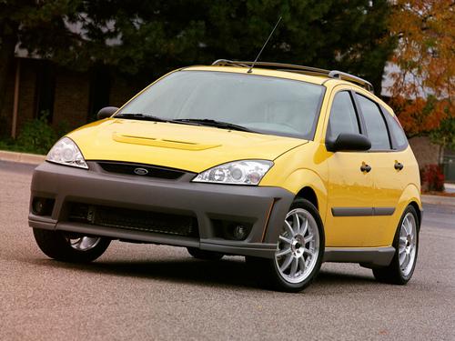Фото автомобиля Ford Focus 1 поколение [рестайлинг], ракурс: 45 цвет: желтый
