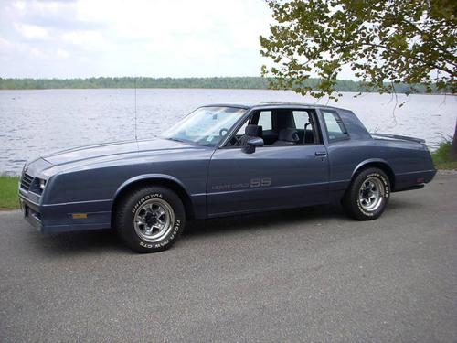 Фото автомобиля Chevrolet Monte Carlo 4 поколение [2-й рестайлинг], ракурс: 45