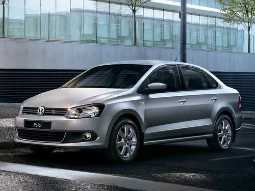 Фото автомобиля Volkswagen Polo 5 поколение, ракурс: 45 цвет: серебряный