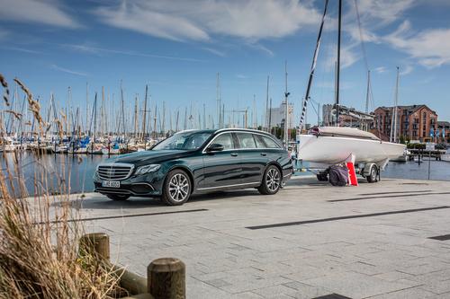 Фото автомобиля Mercedes-Benz E-Класс W213/S213/C238/A238, ракурс: 45 цвет: бирюзовый