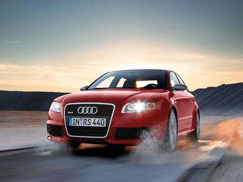 Фото автомобиля Audi RS 4 B7, ракурс: 45