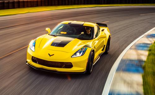 Фото автомобиля Chevrolet Corvette C7, ракурс: 45 цвет: желтый