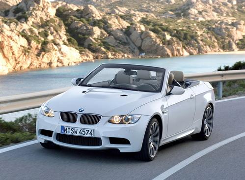 Фото автомобиля BMW M3 E90/E92/E93, ракурс: 45 цвет: белый