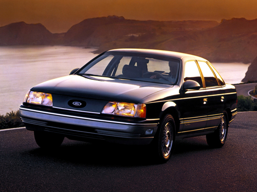 Фото автомобиля Ford Taurus 1 поколение, ракурс: 45