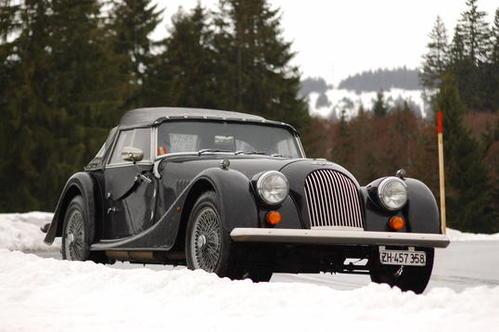 Фото автомобиля Morgan 4/4 1800, ракурс: 45