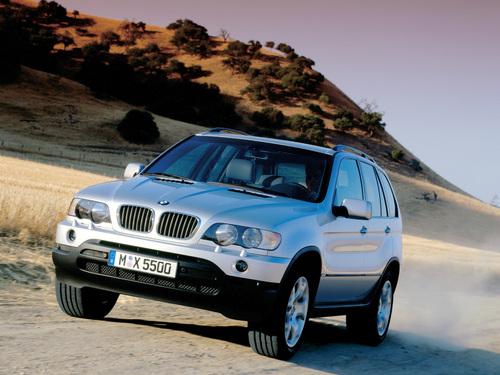 Фото автомобиля BMW X5 E53, ракурс: 45 цвет: серебряный