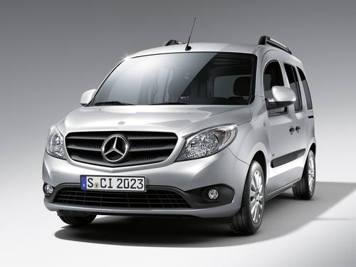Фото автомобиля Mercedes-Benz Citan W415, ракурс: 45 цвет: серебряный