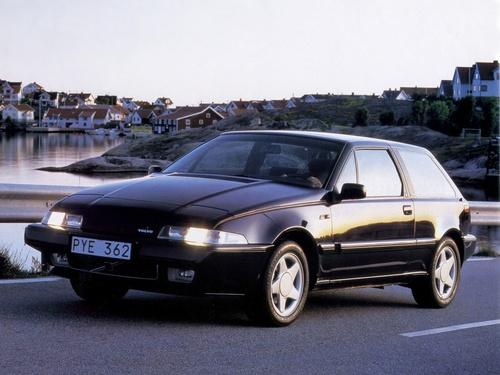 Фото автомобиля Volvo 480 1 поколение, ракурс: 45