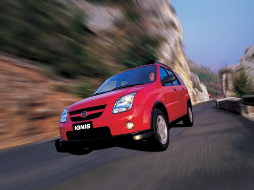 Фото автомобиля Suzuki Ignis 2 поколение, ракурс: 45 цвет: красный