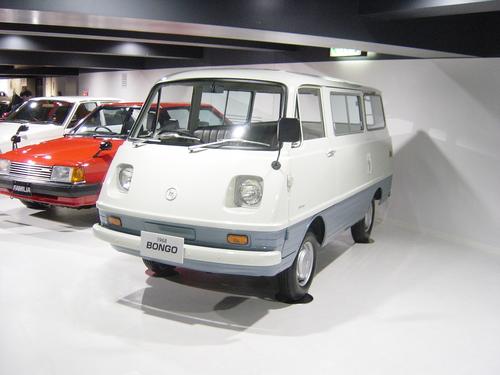 Фото автомобиля Mazda Bongo 1 поколение, ракурс: 45