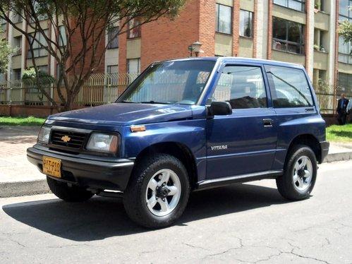 Фото автомобиля Chevrolet Vitara 1 поколение, ракурс: 45