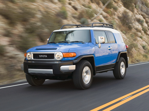 Фото автомобиля Toyota FJ Cruiser 1 поколение, ракурс: 45 цвет: синий